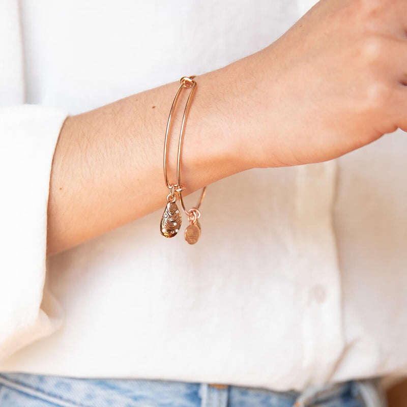 Mussel Shell Charm Bangle