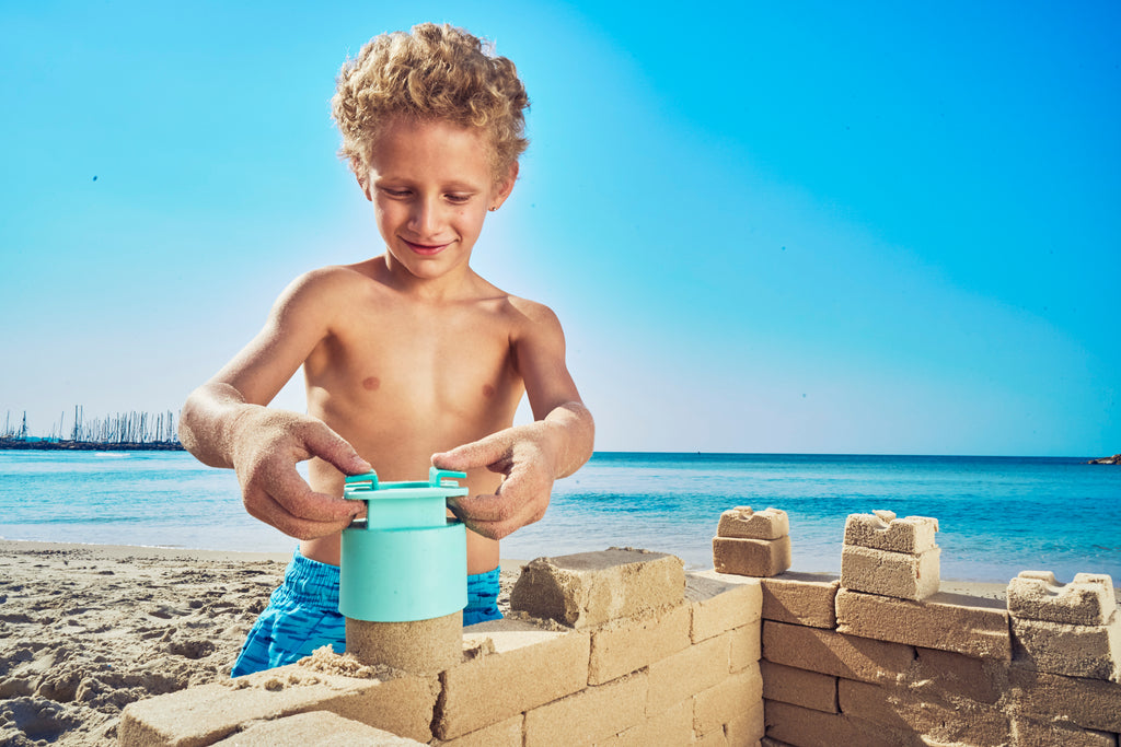 5 reasons why your children should play in the sand