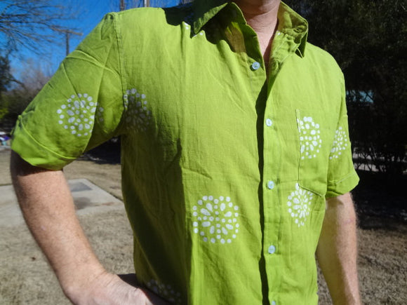 Chartreuse Short Sleeved Men's Hand Block Indian Cotton Button Down Pocket Shirt - Size Medium - H762