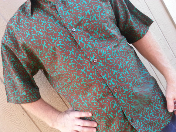 Soft Cotton Men's Short Sleeve Button Down Pocket Shirt - Emerald Vines on Chocolate Brown -Size Large - Jean-Luc H845