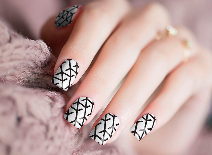 Barbed Wire Nail Wraps