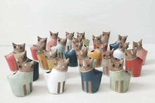 Load image into Gallery viewer, Kitty Kat Salt and Pepper Shakers