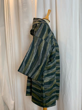 Load image into Gallery viewer, Hooded Haori Kimono with Pockets