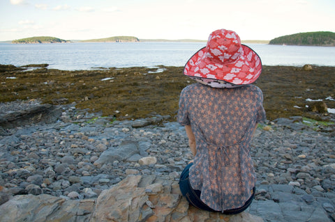Broad brim womens sun hat, fully reversible, packable, sunscreen hat by worthygoods. Hand tailored in Maine.
