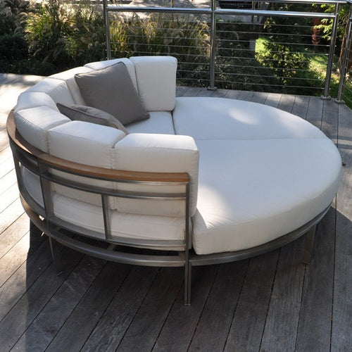 Kingsley-Bate Outdoor Furniture
