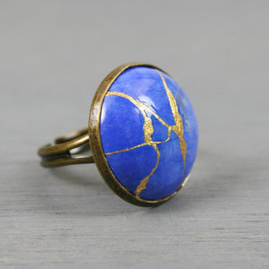 Lapis howlite kintsugi ring in an antiqued brass adjustable setting