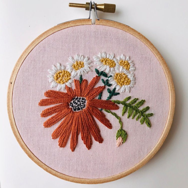 Modern Embroidery Kit - Retro Daisies