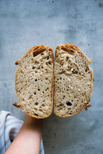 Load image into Gallery viewer, Weekly Special Sourdough | 每週精選酸種麵包