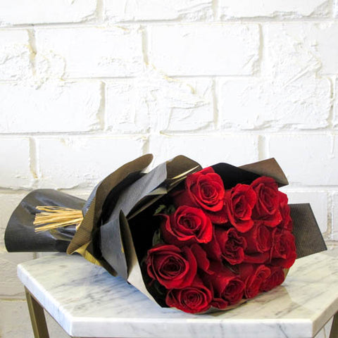 The Red Roses - Titankuwait