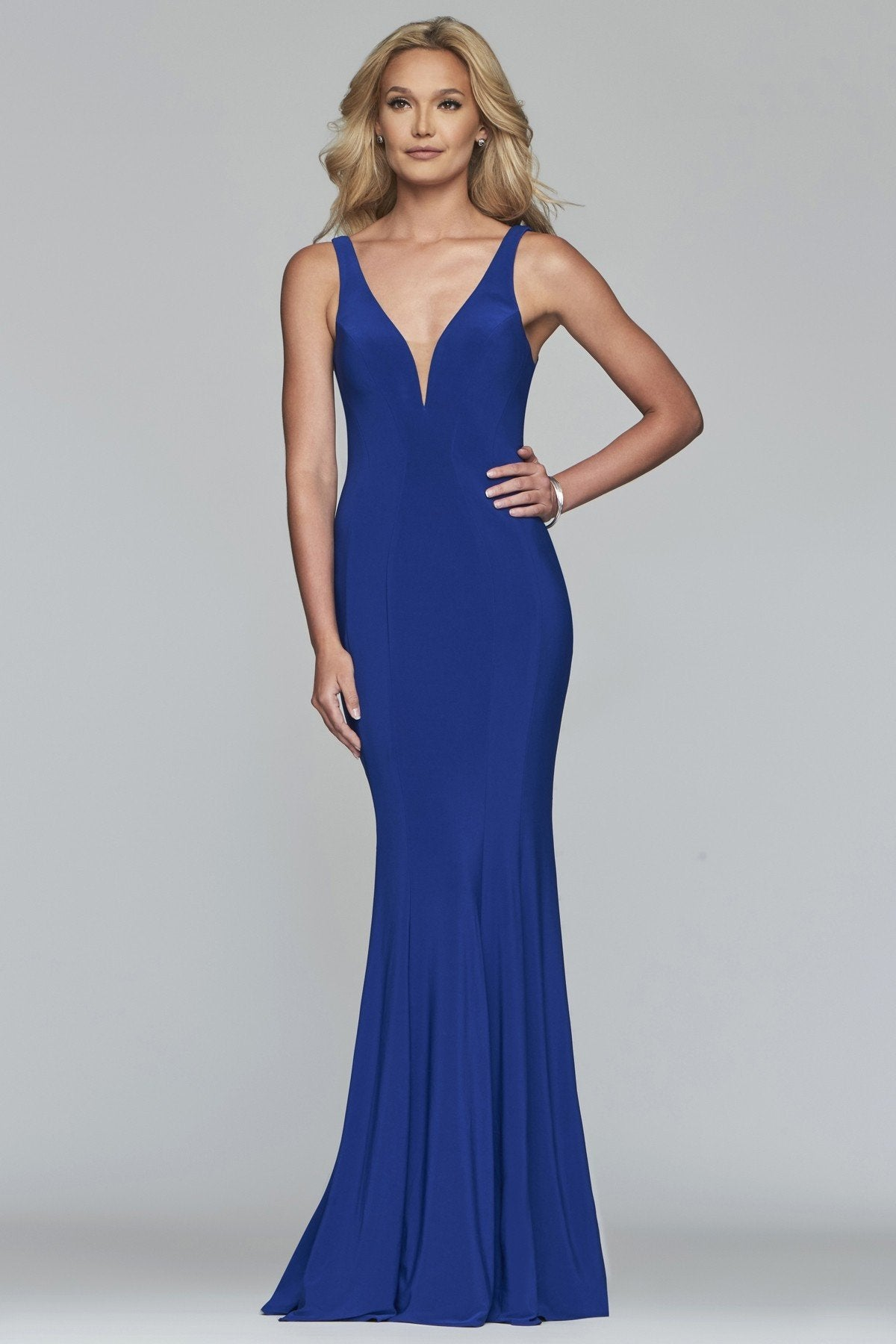 Faviana - 10223SC Plunging V-Neck Trumpet Evening Gown