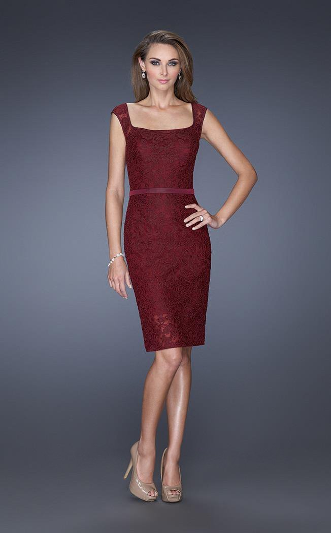 La Femme Knee Length Floral Lace Sheath Dress 20515 in Red