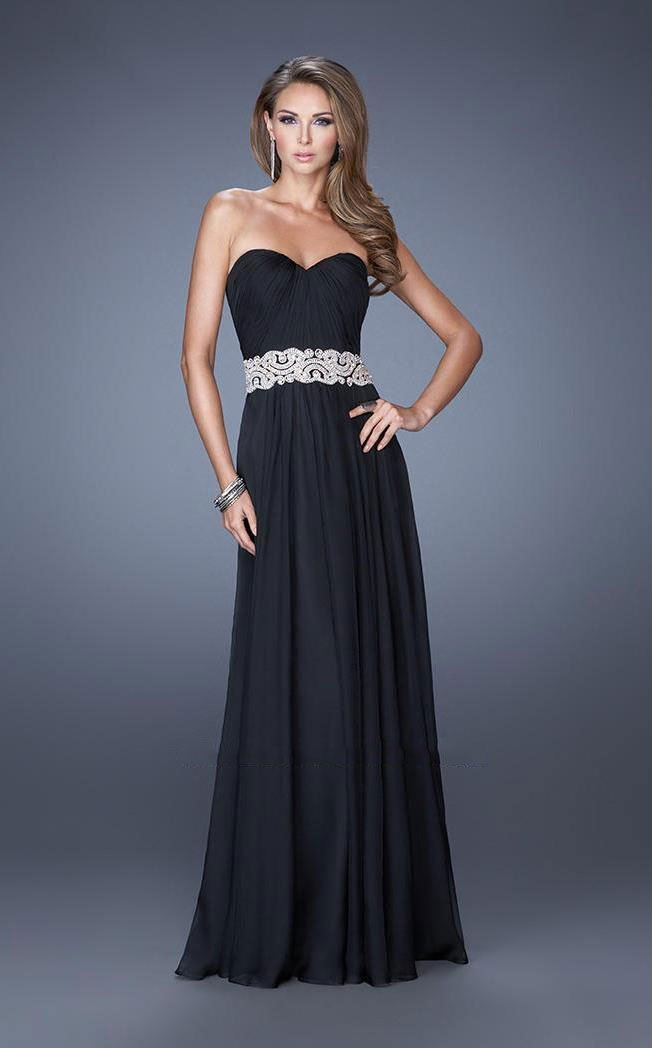 La Femme - Classy Strapless Sweetheart Dress with Bejeweled Belt 19931 In Black