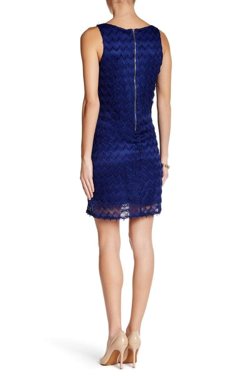 Sharagano - 4W4F164D9 Sleeveless Zigzag Lace Dress in Blue