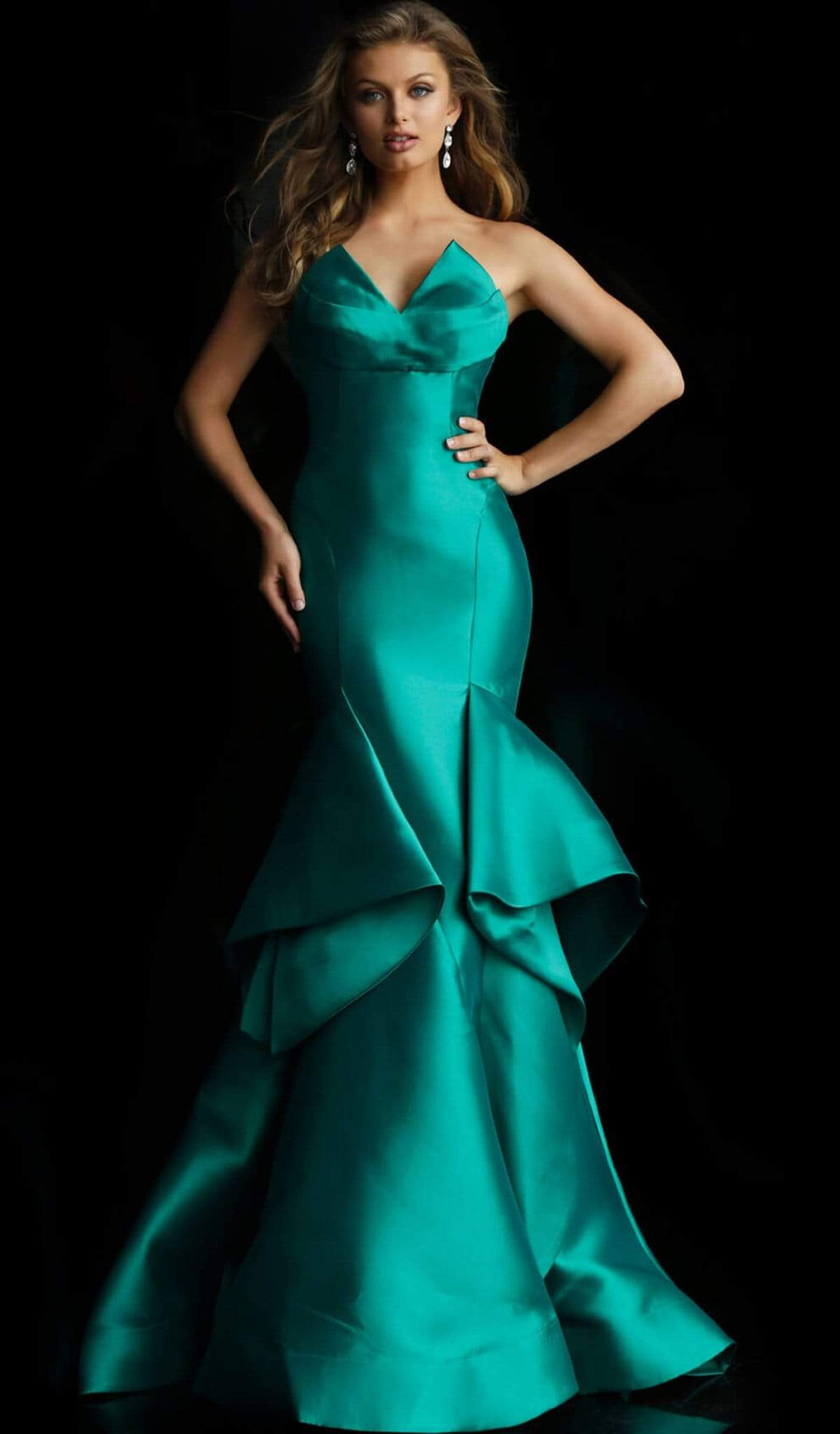 Jovani - 61377 Strapless V Neck Tiered Ruffle Mermaid Gown Special Occasion Dress 00 / Green