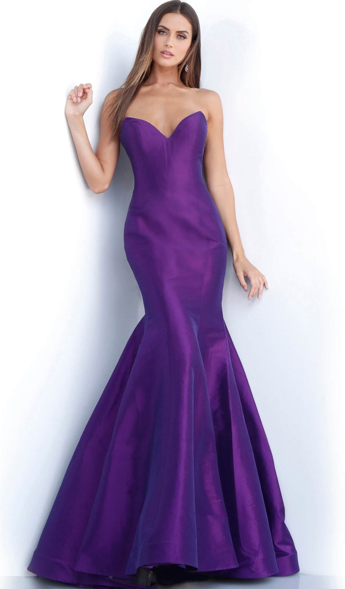 Jovani - 67412 Strapless Plunging Sweetheart Dress With Train In Purple