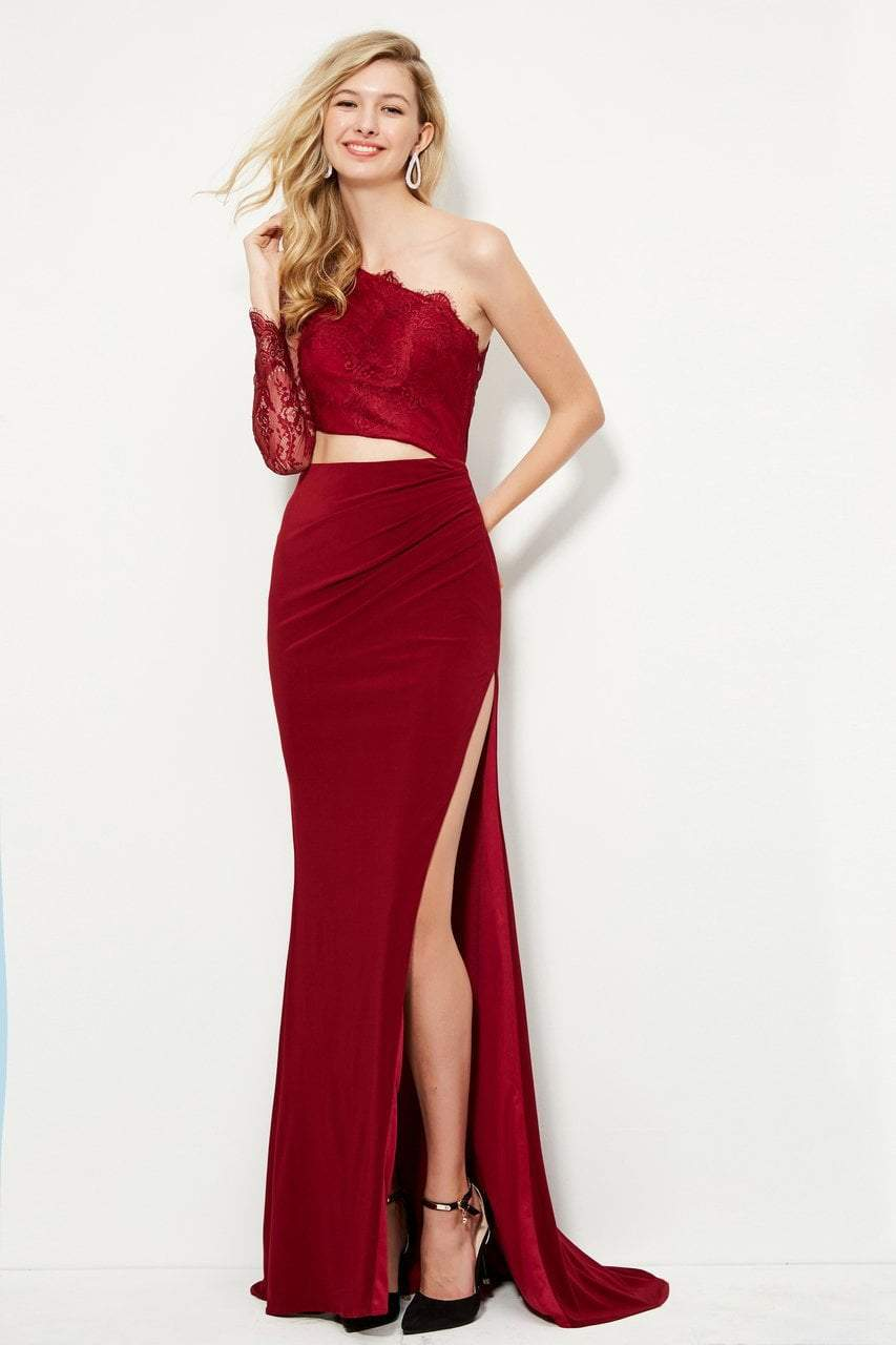 Angela and Alison - 81132 Single Lace Long Sleeve Fitted Gown In Red