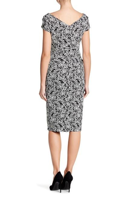 Adrianna Papell - AP1D101704 Floral Asymmetric Cocktail Dress In Black and White