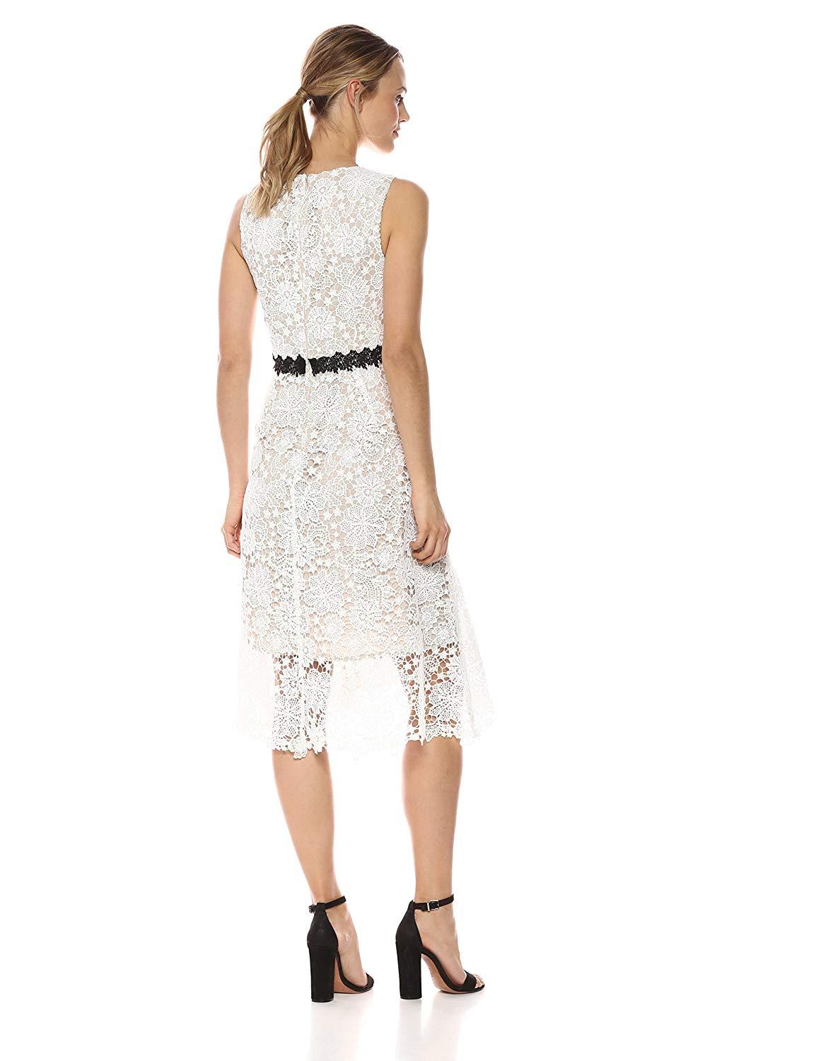 Donna Morgan - D5970M V Neck Sleeveless Floral Crochet Lace Dress In White