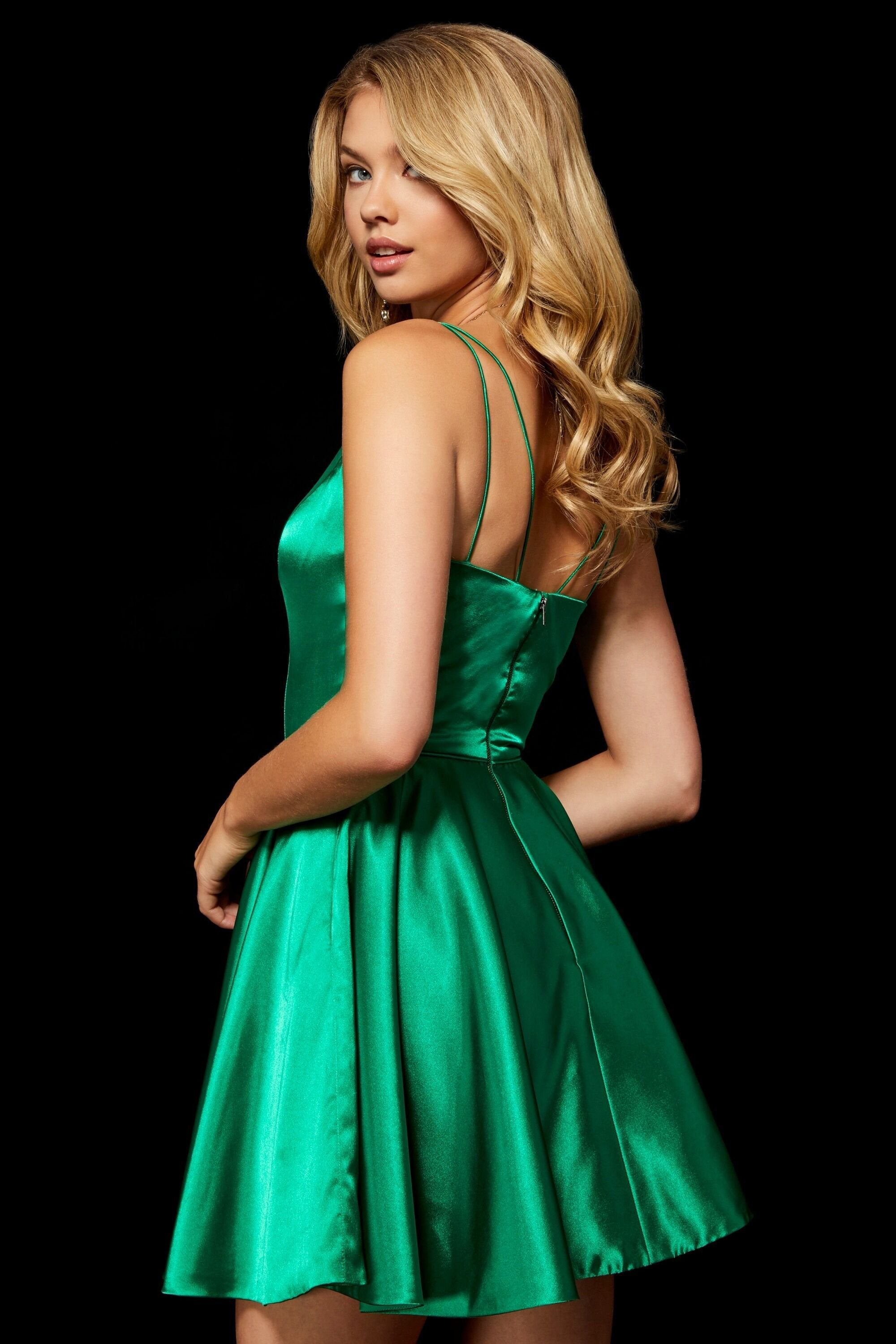 Sherri Hill - Sleeveless V-Neck Satin Short Dress 52253SC In Green