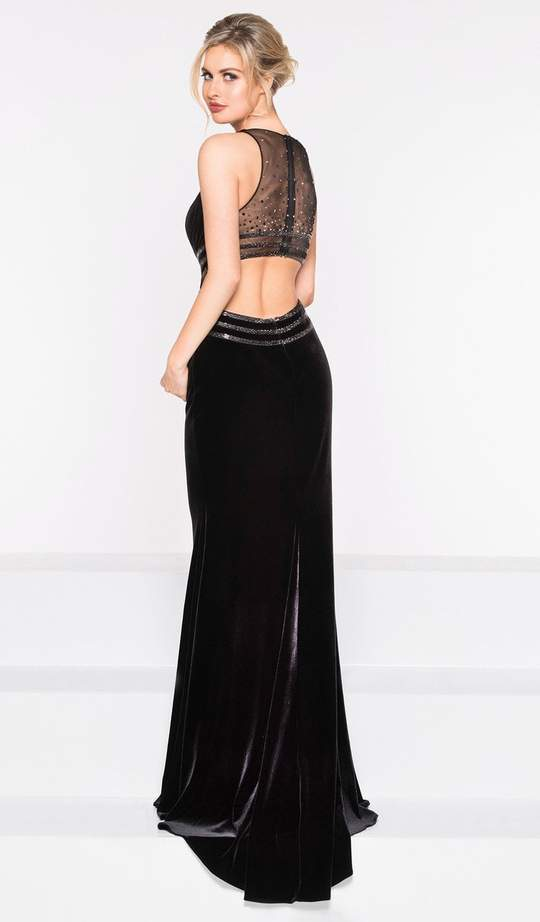 Colors Dress - Halter Neck Velvet Trumpet Dress 2029 In Black