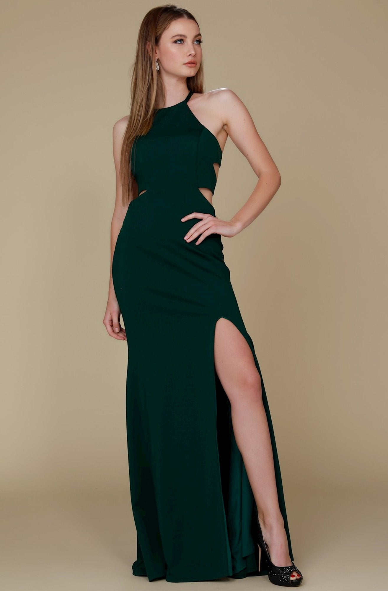Nox Anabel - C026 Sexy Cutout Halter Neck Lace-up Back Sheath Gown In Green