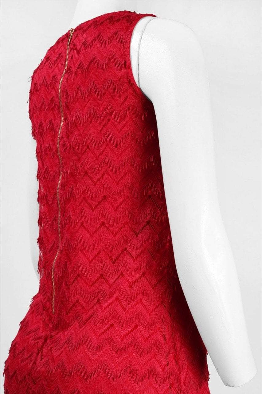 Sharagano - 4W4F164D9 Sleeveless Zigzag Lace Dress in Red