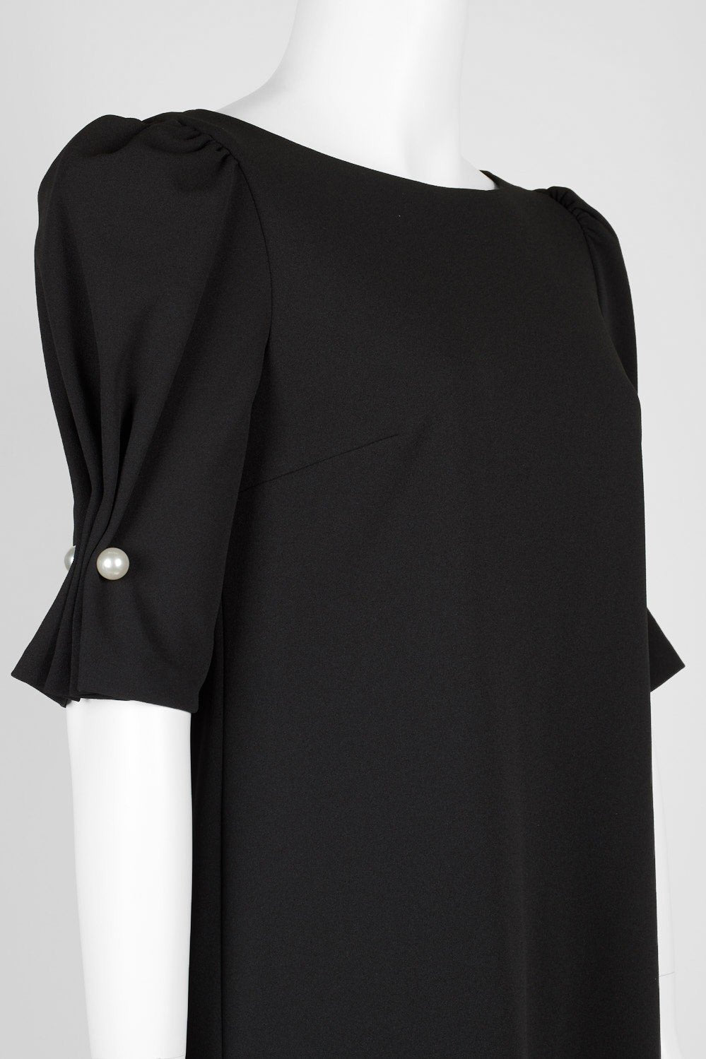 Tahari Asl - TLMU9WD126 Scrunch Sleeve Bateau Crepe Dress In Black