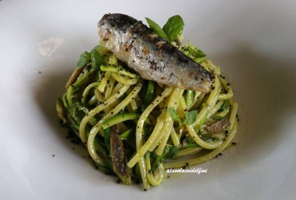 Olive oil sardine's spaghetti and special pesto