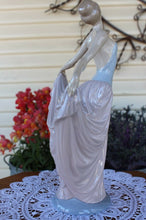 "Load image into Gallery viewer, LLadro Hand Made Spain Porcelian Figurine ""Dancer"" 5050 Perfect Condition Large"