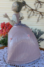 "Load image into Gallery viewer, VERY RARE LLadro Figurine ""Girl In Pink Dress"" #5120 RET 1985-Jose Puche Perfect"