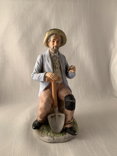 Old Man Sitting with Shovel - Homco Boho Kitch Retro Chic Gift Perfect