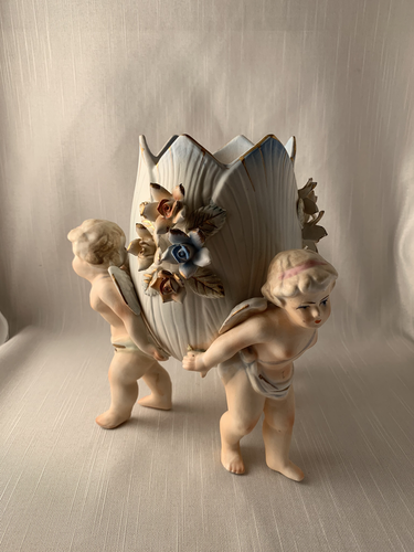 Three Angels Vase Centerpiece-Lenwile Ardalt Fantastic Detail Gift Kitch Retro