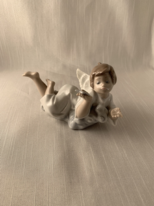 Angel Laying Down With Star - Lladro Perfect Gift Christmas Must See Look