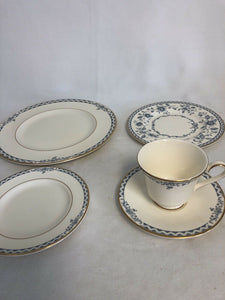 Royal Doulton China Josephine 5 Place Settings 25 Pieces Total Perfect