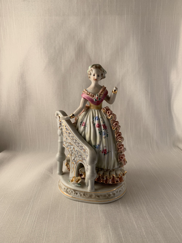 Lady Beside Railing - Kaiser Perfect Gift Kitch Chic Vintage Boho