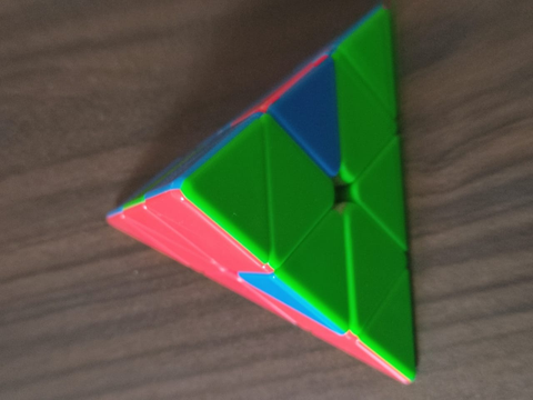 how to solve a rubik's cube pyraminx