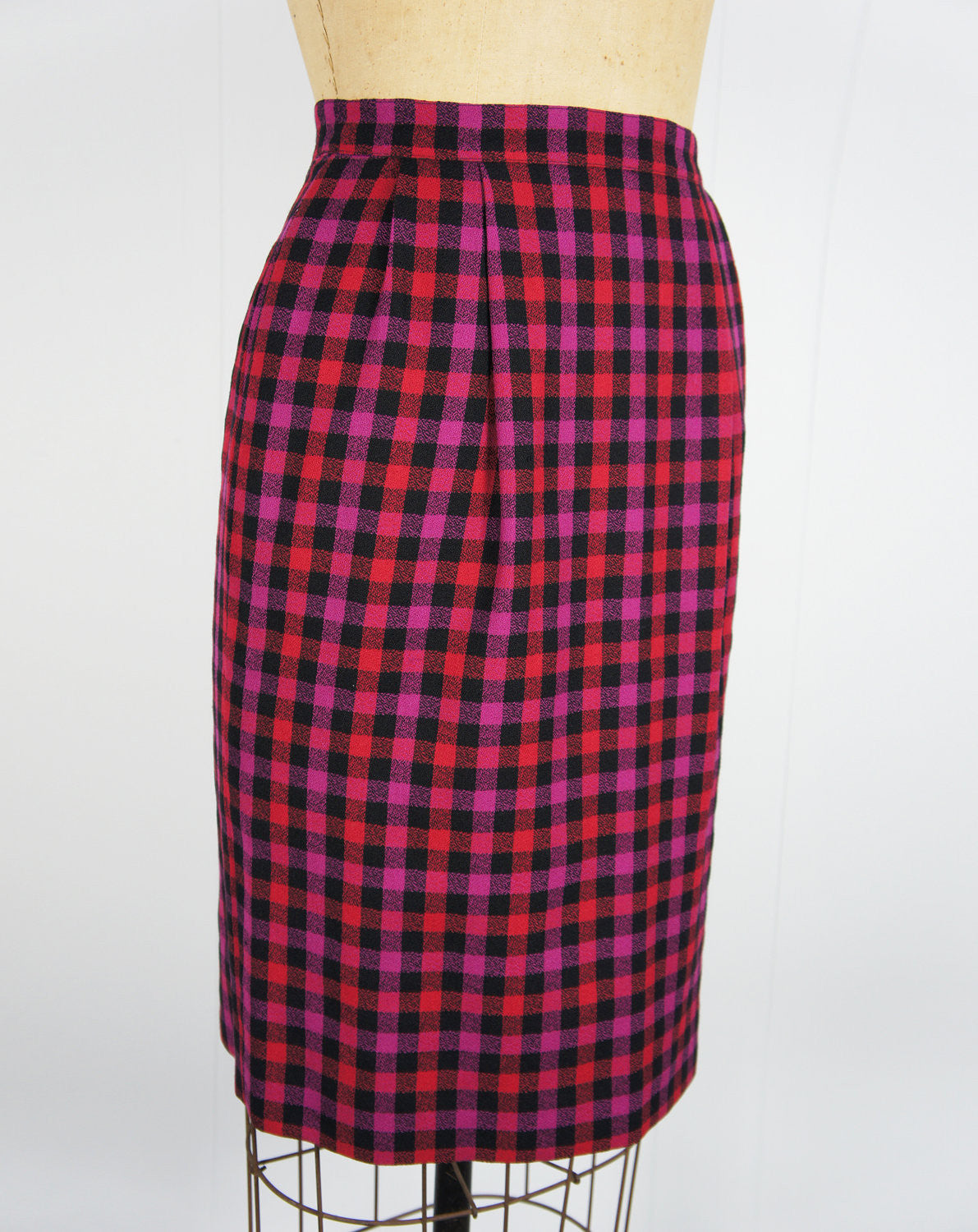 1980's Pink, Purple & Black Checkered Wool Pencil Skirt - Size S