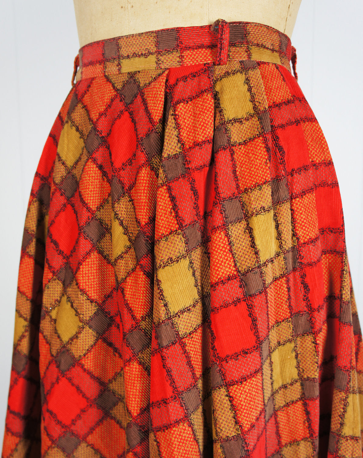 1950's Brown, Red & Tan Corduroy Full Skirt - Size XS