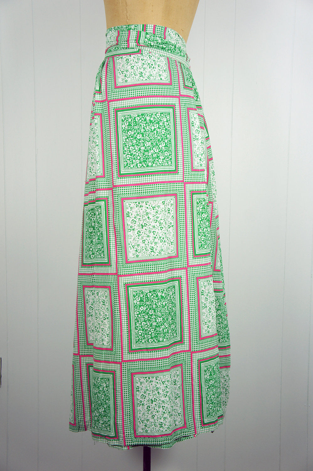 1970's Pink & Green Floral Wrap Skirt - Size M