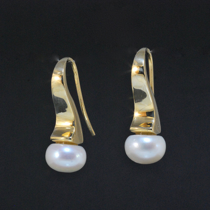 Wave Earrings with Freshwater Pearl