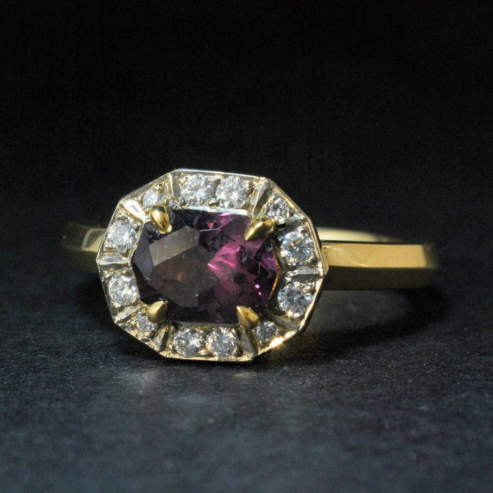 18ct Gold Ring with Spinel and Diamonds