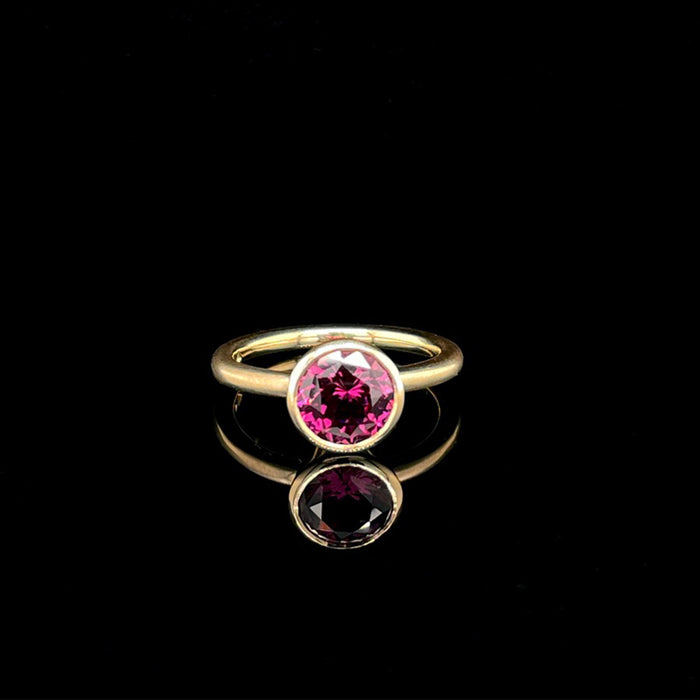 18ct Gold Ring with Mozambique Rhodolite Garnet