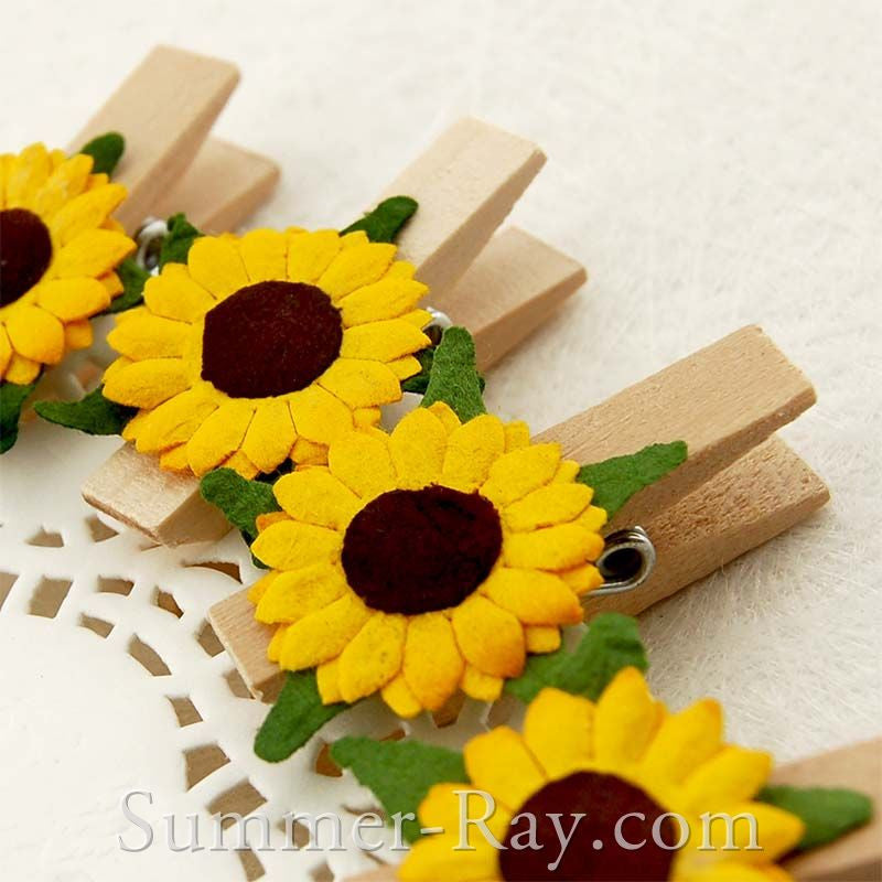 Wooden Peg with Mulberry Sunflower