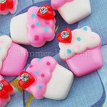 Cabochon Resin Flat Back Cupcake with Rhinestone
