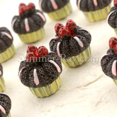 Cabochon Resin Dark Chocolate Berry Cupcake