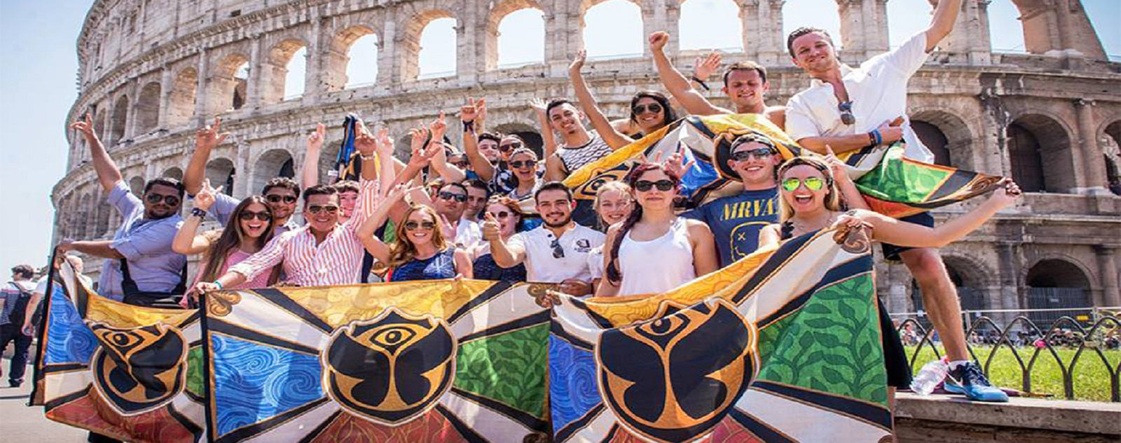 Drapeaux Tomorrowland à Rome