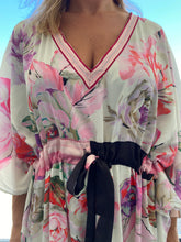 Load image into Gallery viewer, Vintage-inspired kaftan - Antique Off white floral