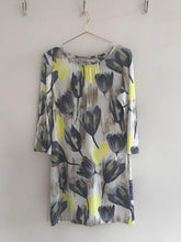 Load image into Gallery viewer, Freda and Dick Venetia tunic - tulip print