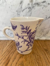 Load image into Gallery viewer, Hand-painted porcelain sugar pot and milk jug