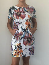 Load image into Gallery viewer, Freda and Dick Asla tunic dress - Abstract floral
